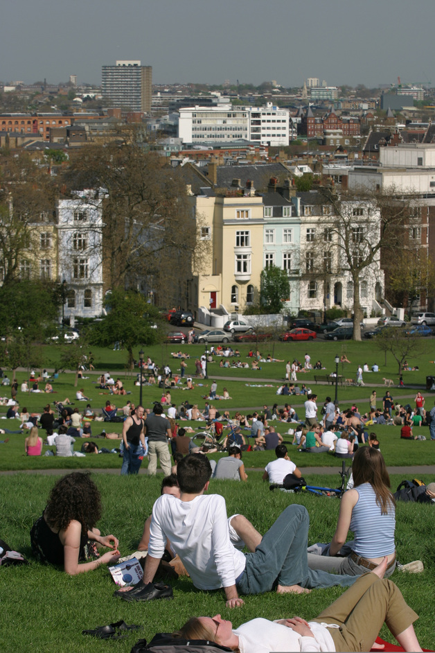 Primrose Hill - Crowds sunbathing - © Giles Barnard