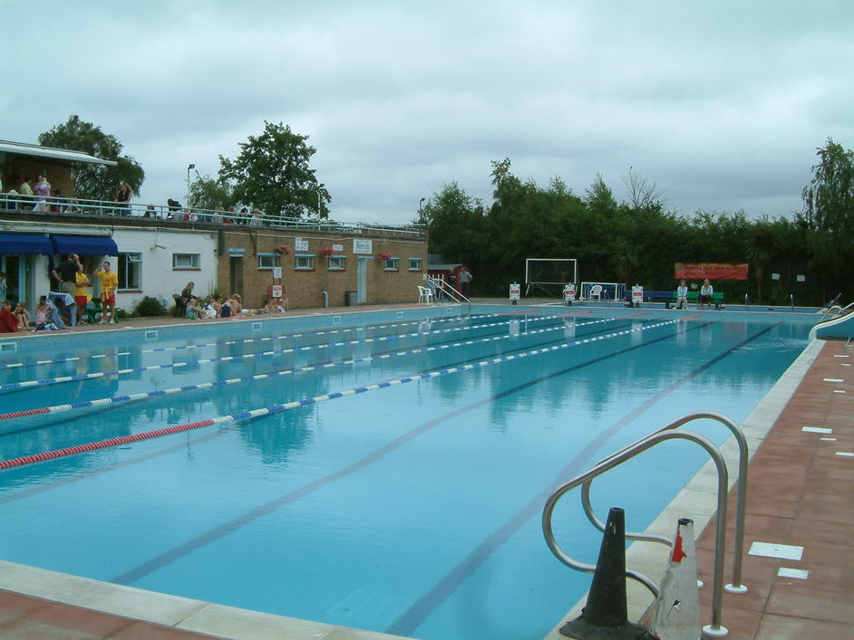 Open Air Swimming Pool Hton Heated Open Air Pool In London