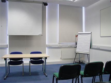 Elonian Room