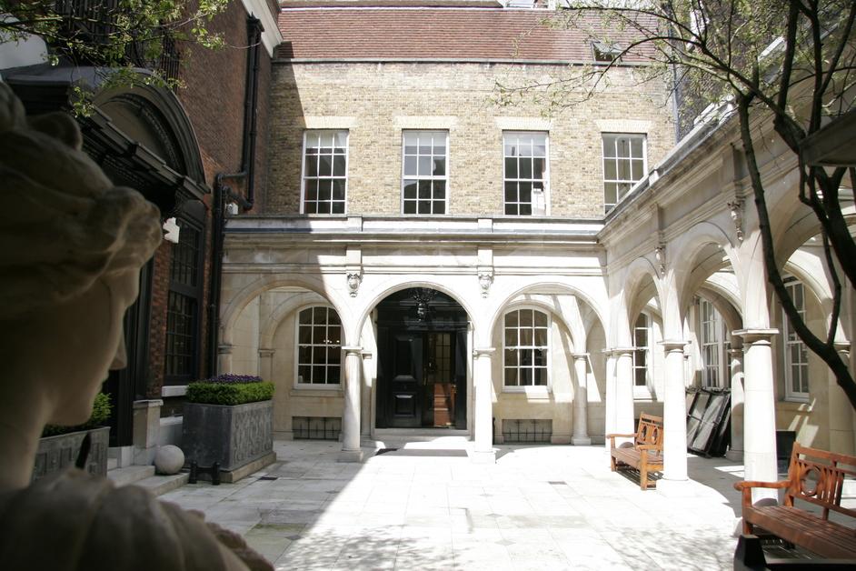 Upper Thames Street