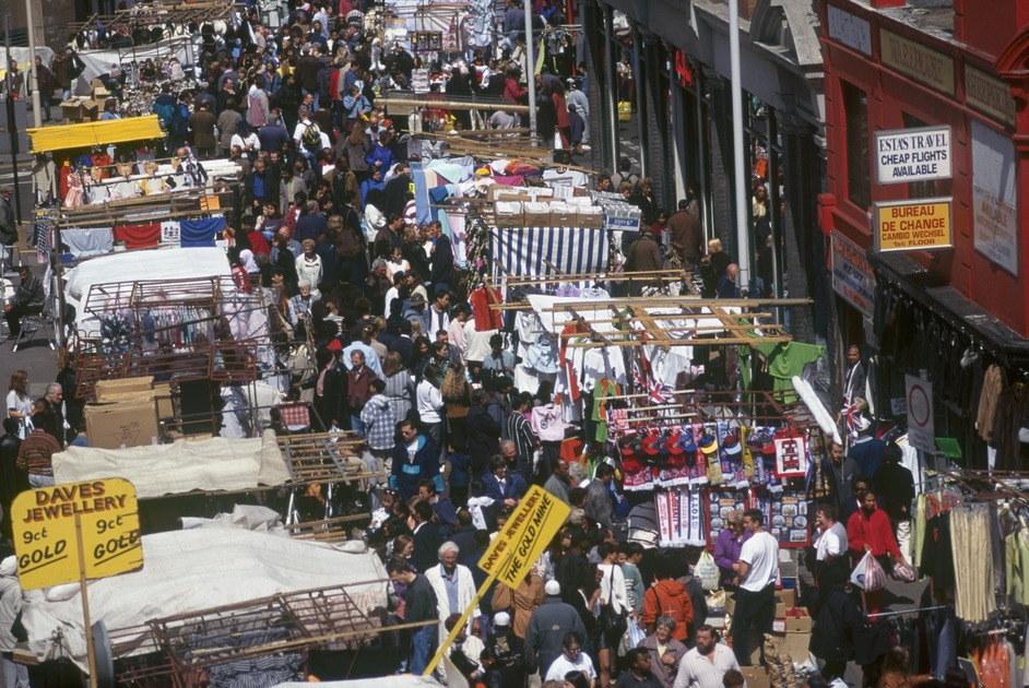 e8e393109 Petticoat Lane Market, Between Middlesex and Goulston Streets ...