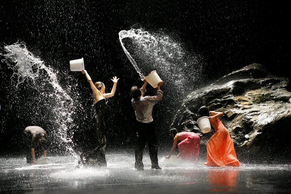 Tanztheater Wuppertal Pina Bausch: Two Cigarettes in the Dark | Vollmond - Credit Laurent Philippe