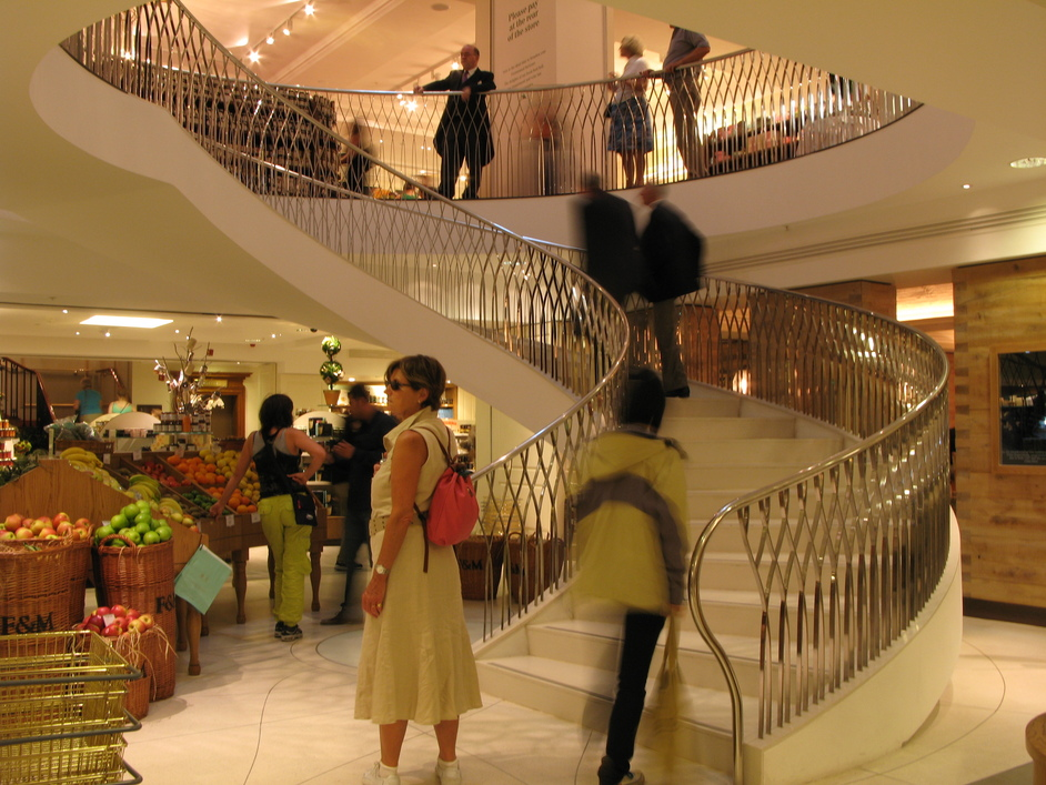 Fortnum & Mason: 1707 Wine Bar - The bottom of the spiral staircase