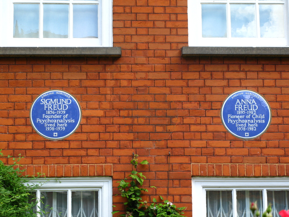 Freud Museum - The blue plaques of Sigmund Freud (left) and his daughter, Anna freud (right)