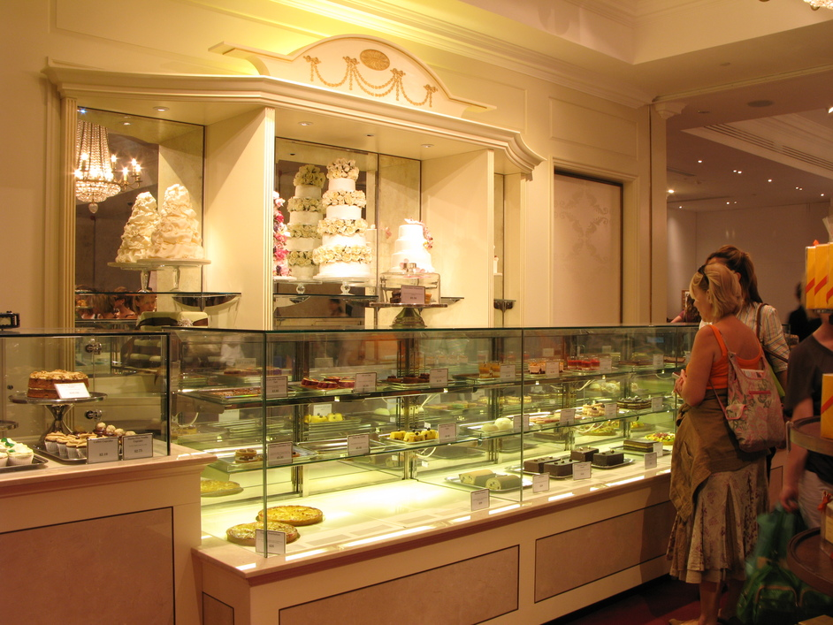 Fortnum & Mason: 1707 Wine Bar - The Pastry Section