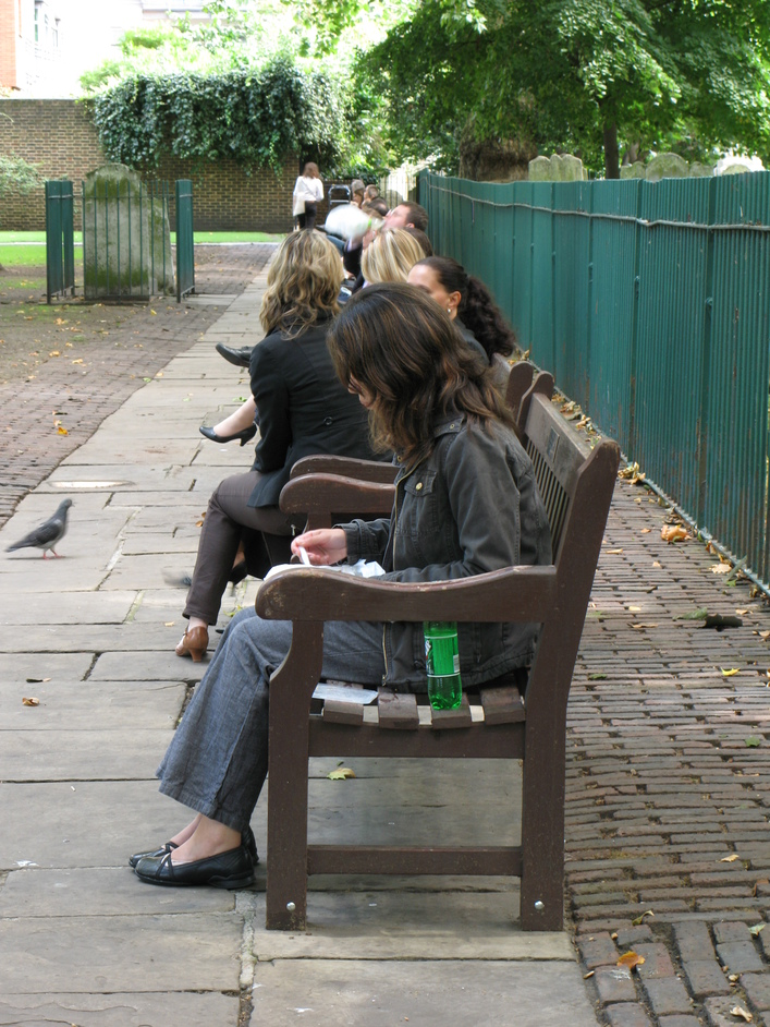 Bunhill Fields - Lunch hour at Bunhill Fields