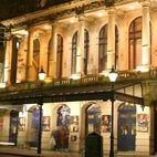 Garrick Theatre hotels title=