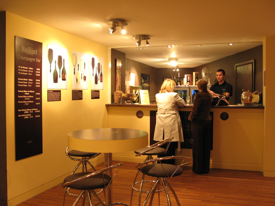 Clink Street - Ruinart Champagne Bar