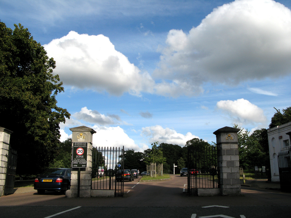 Richmond Park - Richmond Gate