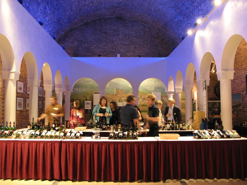 Vinopolis Wine Wharf - Ruinart Champagne Bar - Champagne tasting