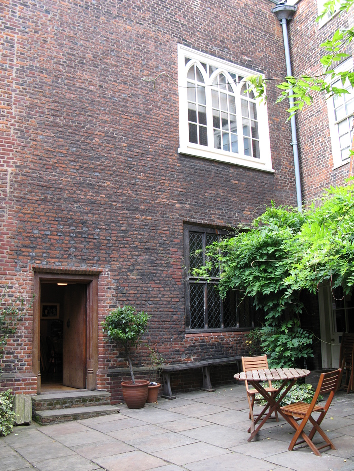 Sutton House - Inner courtyard