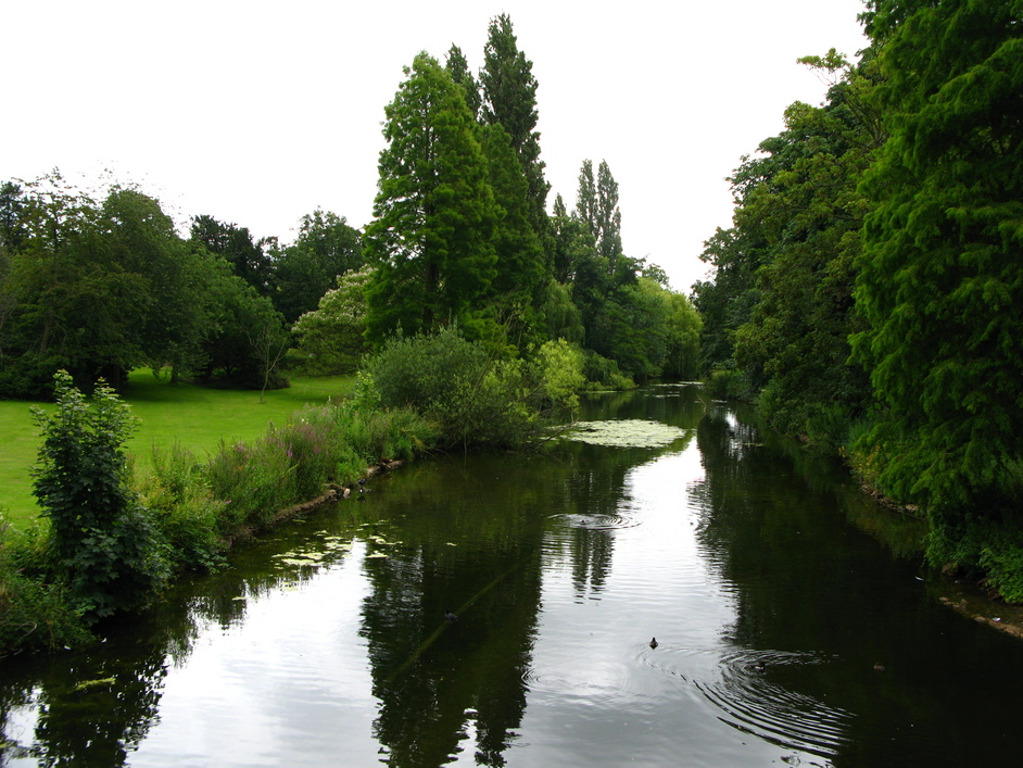Chiswick House - River that runs through Chiswick Grounds.