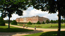 Glorious Georgians: Hampton Court Palace