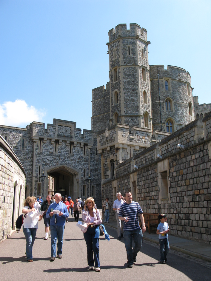 Windsor Castle - Walking toward St George's Gate