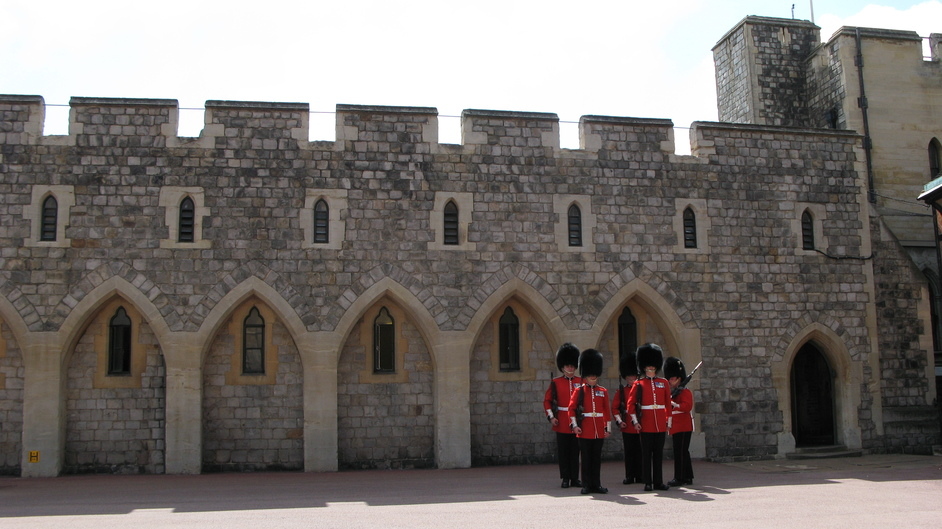 Windsor Castle - Changing of the guards