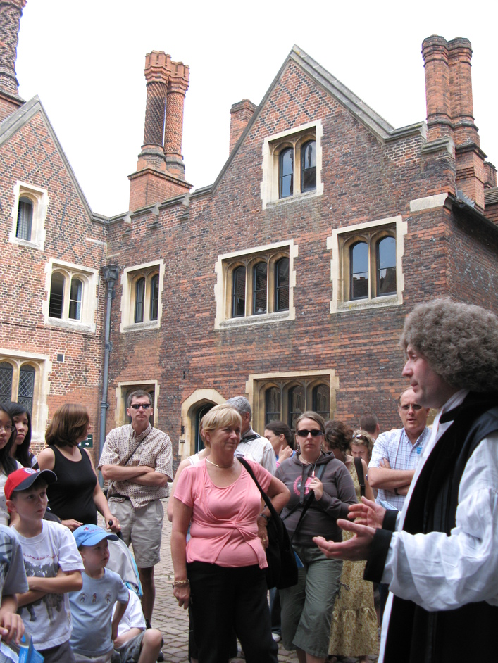 Hampton Court Palace - Led by a guide in medieval garments