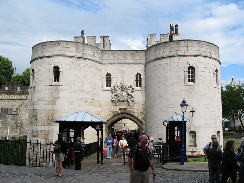 Images Tower of London Tower of London Entrance And