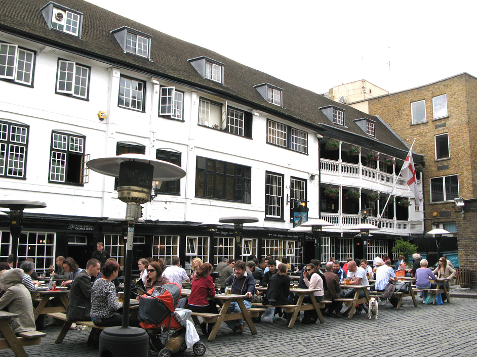National Trust: George Inn, The George Inn Yard - The only original galleried inn left in London