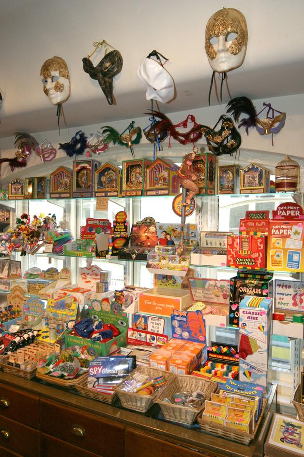 Benjamin Pollock's Toyshop