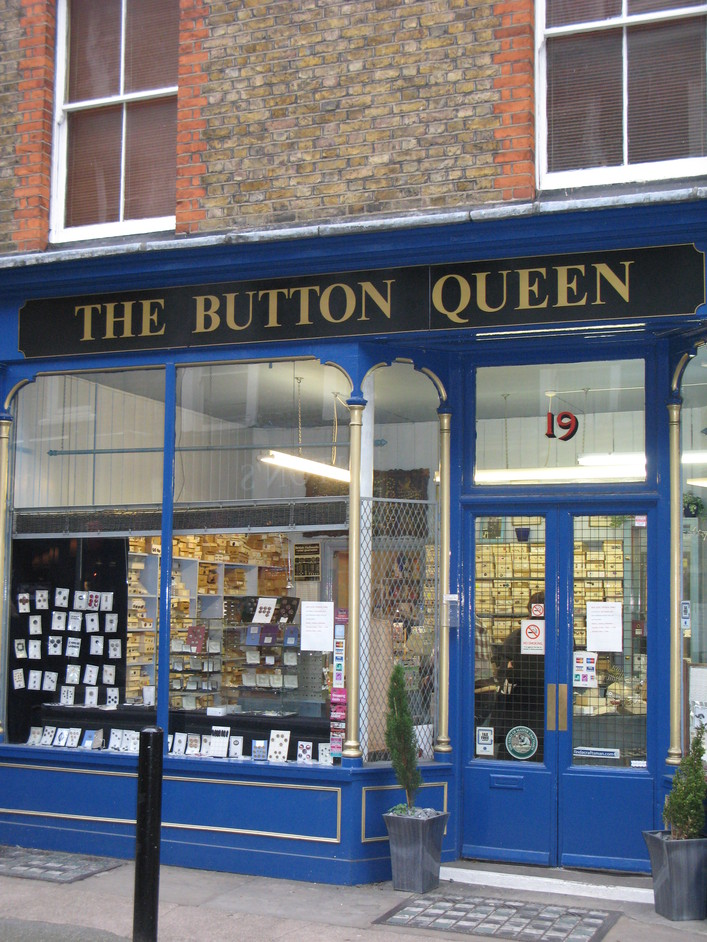 Button Queen