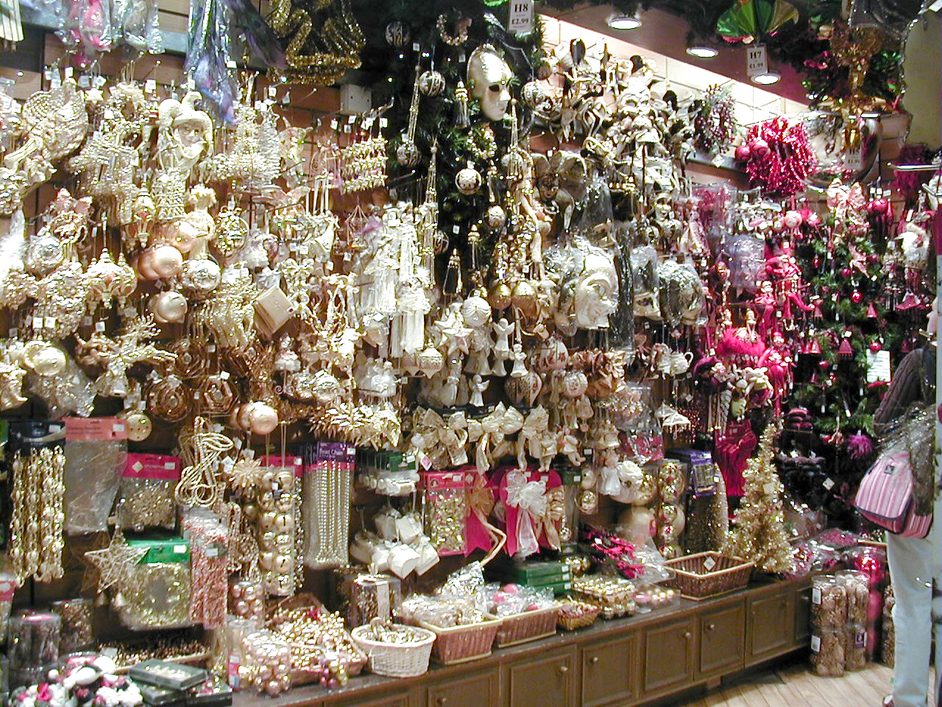 The christmas shop images bankside london for The christmas store