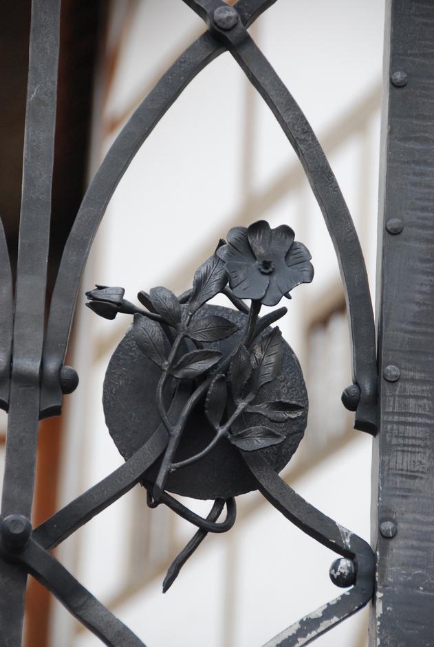 Shakespeare's Globe Theatre - Rose Theatre Gate