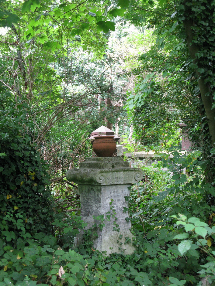 Abney Park Cemetery & Nature Reserve