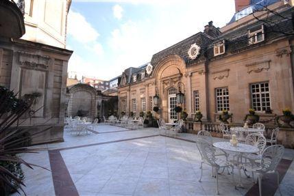 Courtyard (ground floor)