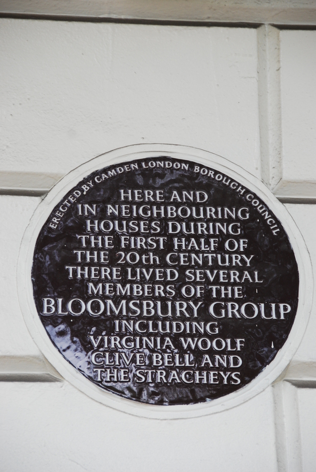 Camden - Plaque In Gordon Square In Memory Of The Bloomsbury Group