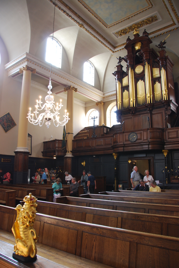 St James' Church Garlickhythe - St James Garlickhythe Interior With Organ