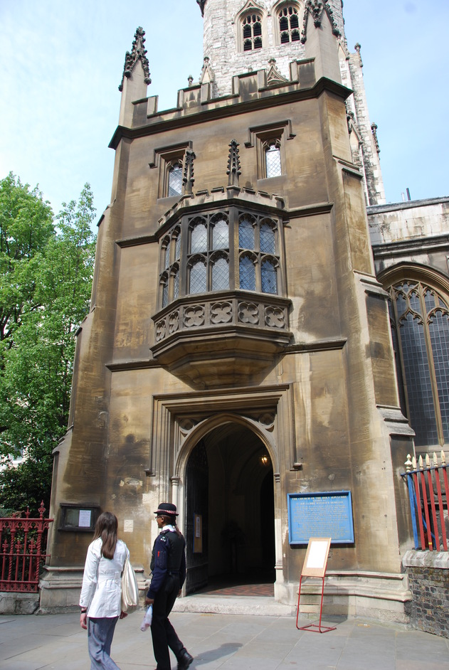 St Sepulchre-without-Newgate - St Sepulchre Without Newgate Exterior