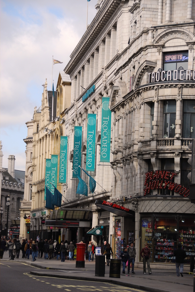 Piccadilly Circus - The Trocadero Exterior