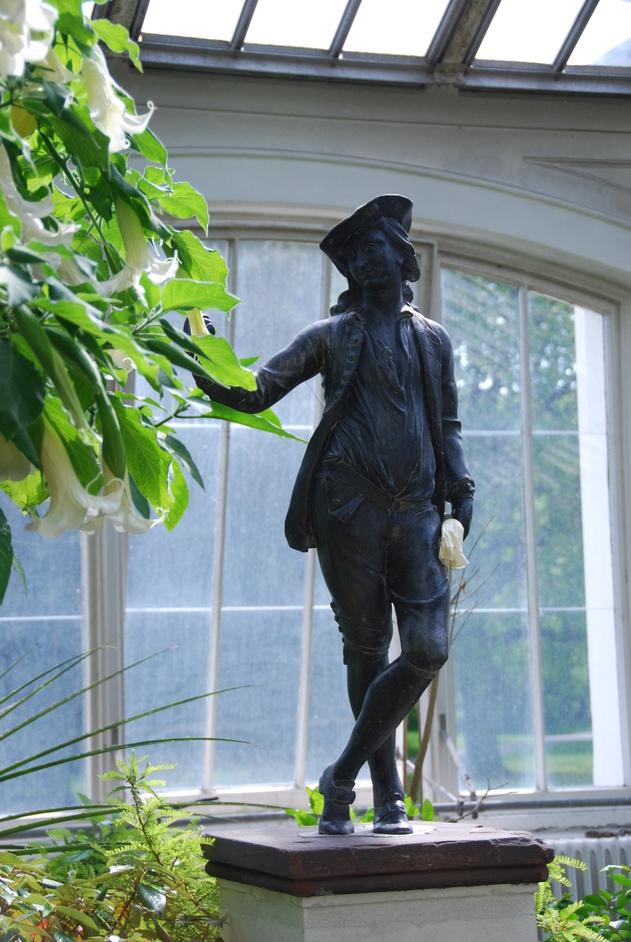 Kew Gardens (Royal Botanic Gardens) - Kew Gardens 18th Century Garden Figure