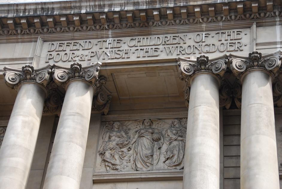 Amen Corner - Old Bailey Exterior