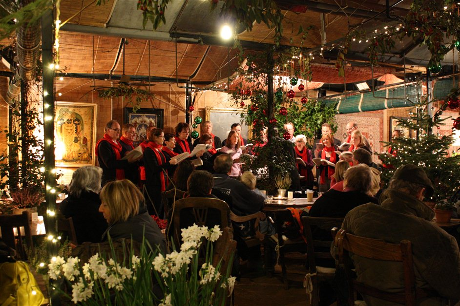 Petersham Nurseries Candlelit Christmas Shopping And Carols Images Londontown Com