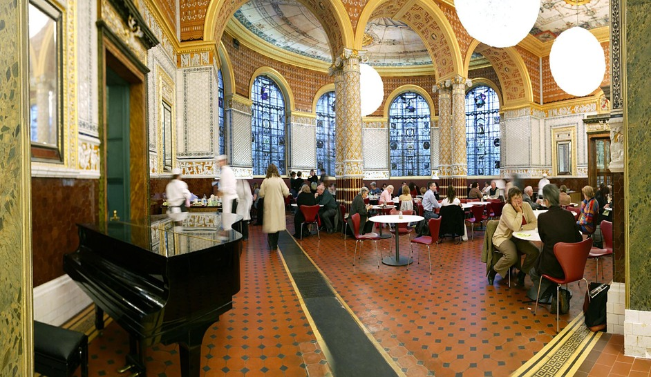 Victoria and Albert (V & A) Museum - V & A Cafe © V & A Images