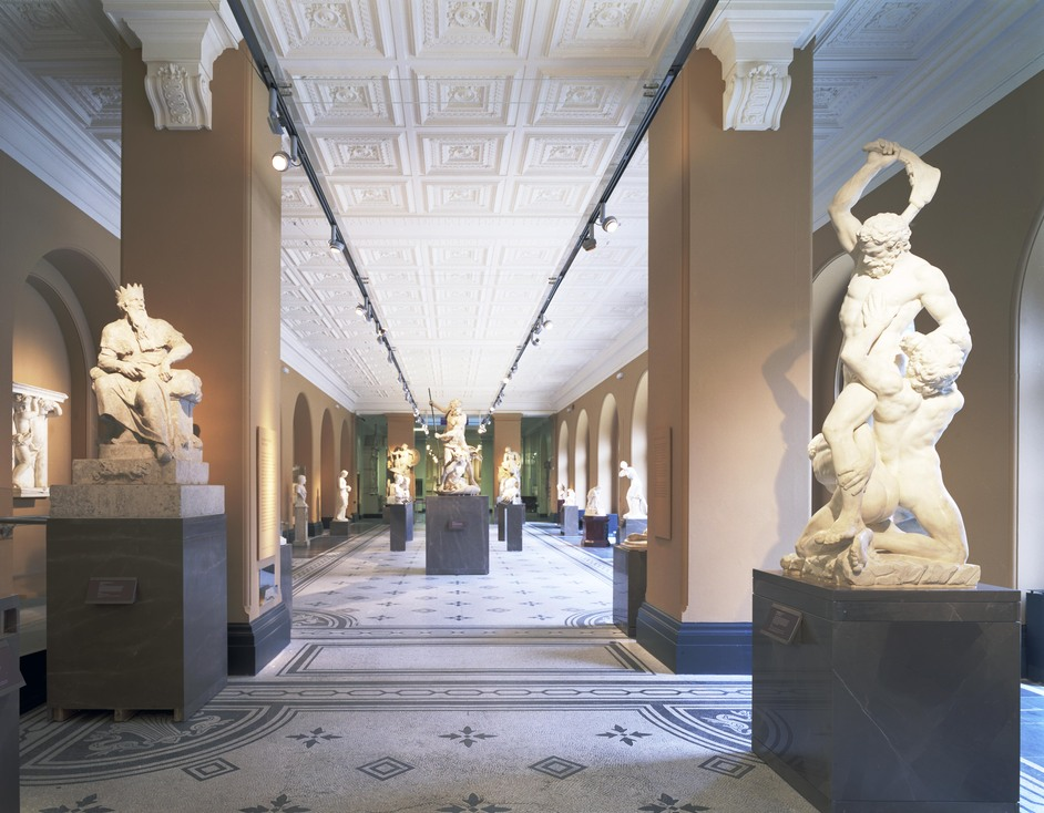 Victoria and Albert (V & A) Museum - Thomas and Dorothy Hintze Gallery © Richard Waite