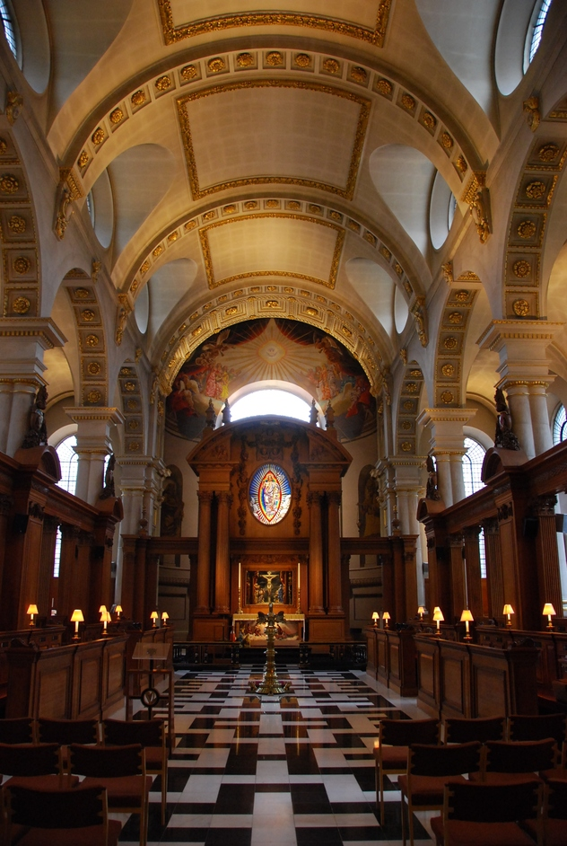 St Brides Fleet Street - Nave Of St Brides Church