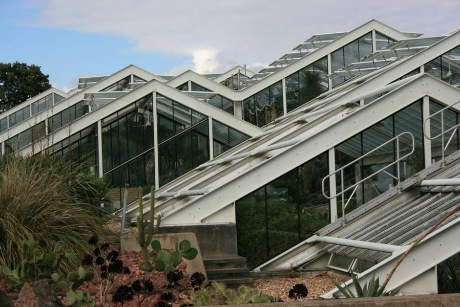 Kew Gardens (Royal Botanic Gardens) - The Princess of Wales Conservatory