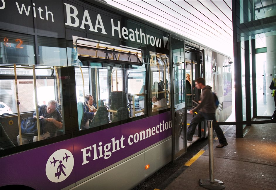 Heathrow Airport - Flight connection bus