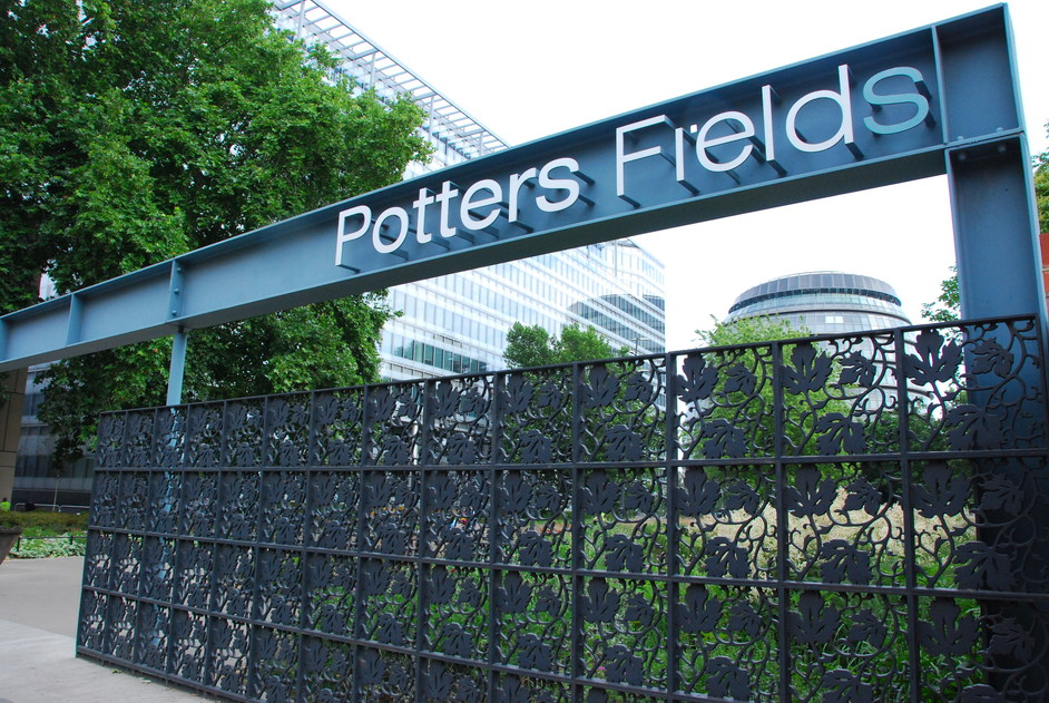Potters Fields Park