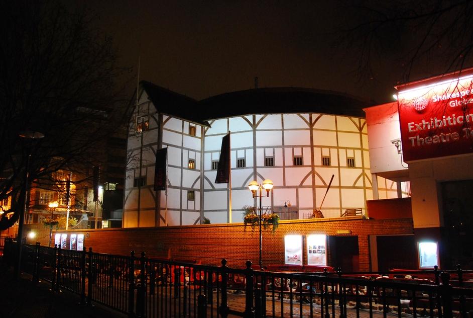 Shakespeare's Globe Theatre - The Globe Theatre At Night