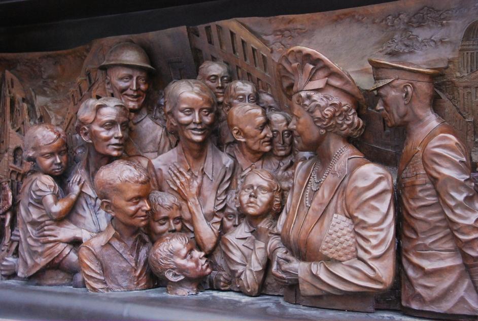 St James's Park - Queen Mother's Sculpture