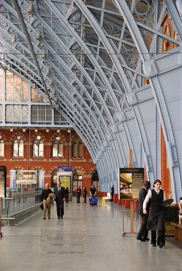 St Pancras International Station - St Pancras Railway Station and Eurostar Terminal