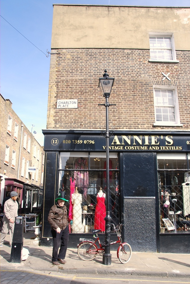 Annies Vintage Costume and Textiles - Exterior Of Annie's Vintage Costumne Shop
