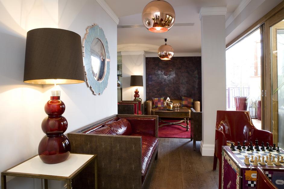 Sanctum Soho Hotel - Garden lounge