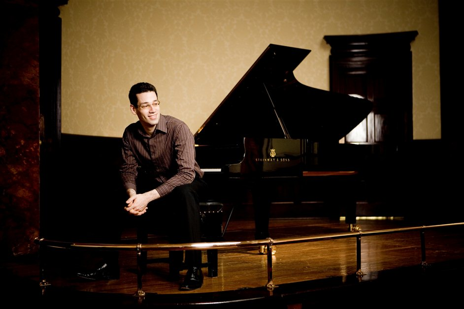 Schumann: Under the Influence - Julian Biss at Wigmore Hall