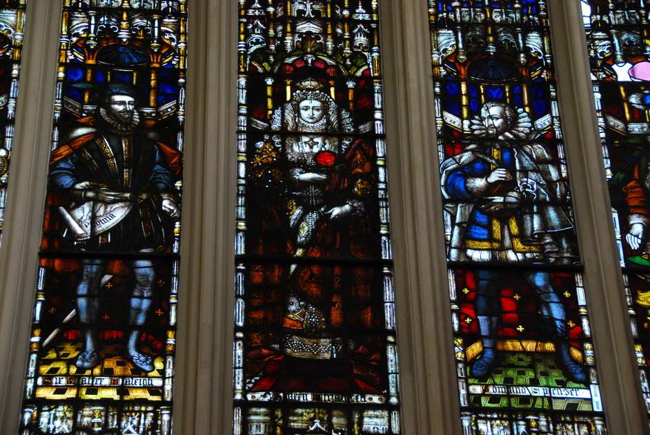 St Margaret's Church - St Margaret's Church Westminster Stained Glass Window Depciting Queen Elizabeth I, Sir Walter Raleigh & Edmund Spenser