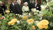 The Queen visiting Chelsea Flower Show, 2009 - Photo by Jon Enoch/RHS