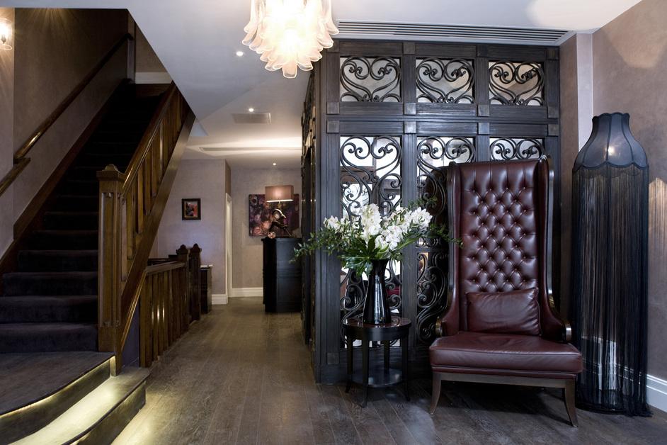 Warwick Street - Lobby